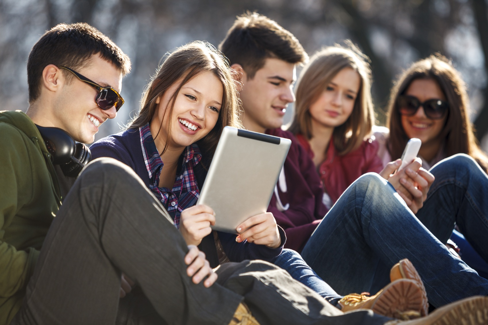 facebook analizza i giovani per fasce d'età